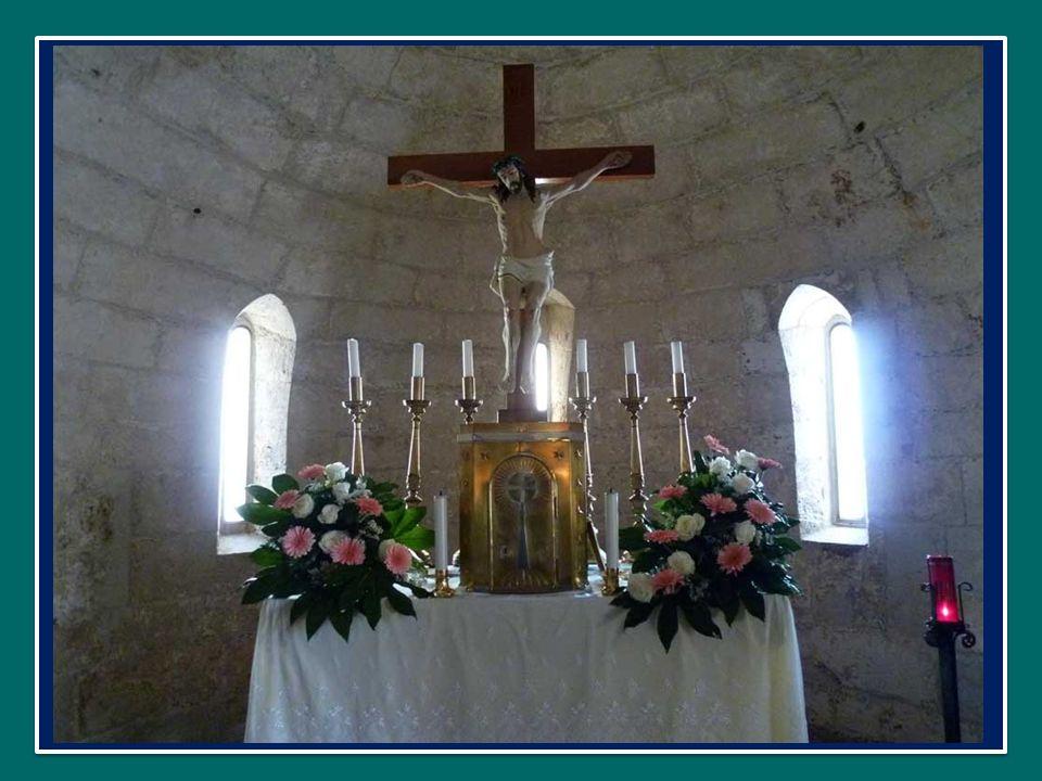 La Madonna, con grande semplicità, ascoltava e meditava nellintimo di se stessa la Parola di Dio e ciò che accadeva a Gesù.