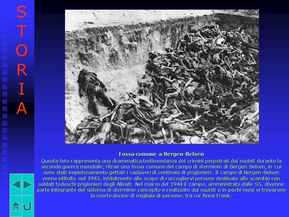 Fossa comune a Bergen-Belsen Questa foto rappresenta una drammatica testimonianza dei crimini perpetrati dai nazisti durante la seconda guerra mondial
