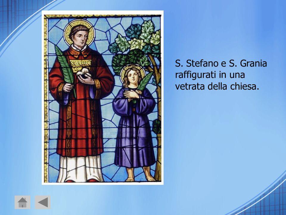 S. Stefano e S. Grania raffigurati in una vetrata della chiesa.