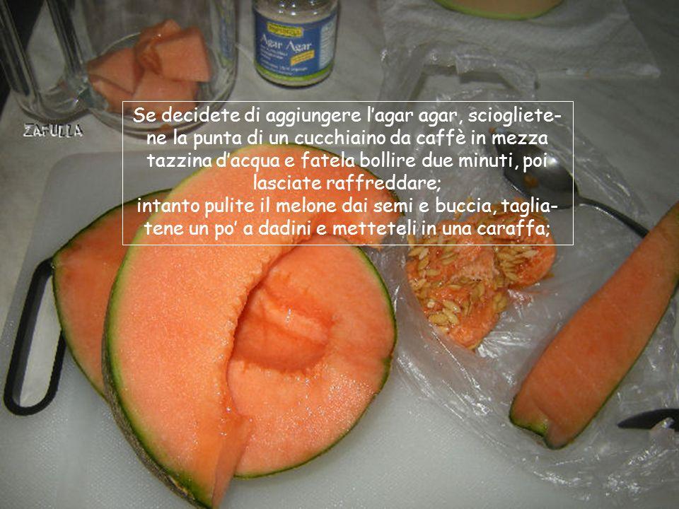 Occorre il melone, ho scelto quello retato; e lagar agar se volete, addensante e insapore che dà più cremosità e stabilità al sorbetto.