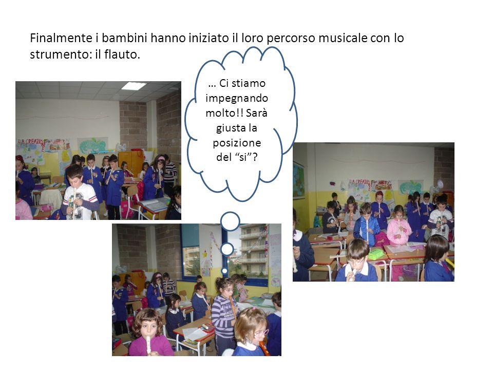 Finalmente i bambini hanno iniziato il loro percorso musicale con lo strumento: il flauto. … Ci stiamo impegnando molto!! Sarà giusta la posizione del