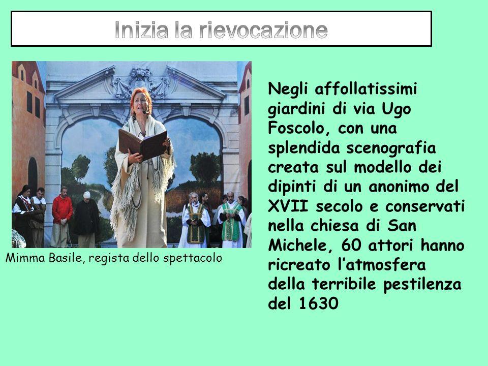 Mimma Basile, regista dello spettacolo Negli affollatissimi giardini di via Ugo Foscolo, con una splendida scenografia creata sul modello dei dipinti