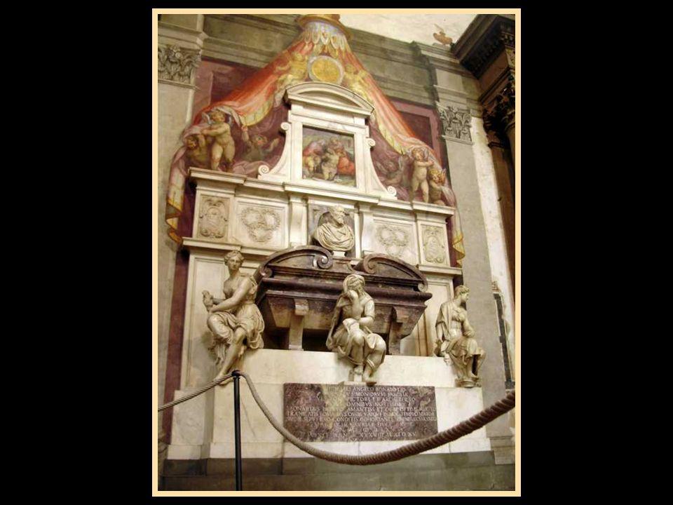 La Tomba di Michelangelo Buonarroti è opera del Vasari (1570) e si trova all'inizio della navata destra della chiesa di Santa Croce