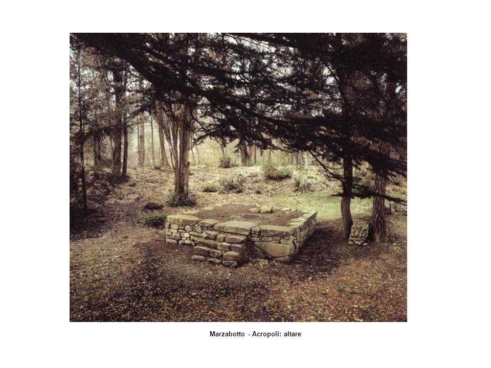 Marzabotto - Acropoli: altare