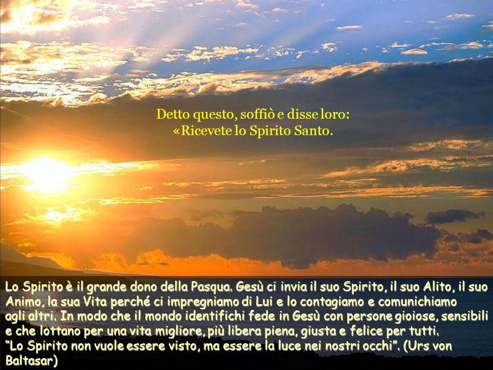 Detto questo, mostrò loro le mani e il fianco. E i discepoli gioirono al vedere il Signore. Gesù disse loro di nuovo: «Pace a voi! Come il Padre ha ma