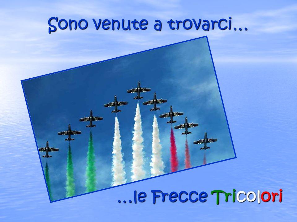 A Genova per unesibizione, nel mese di giugno le Frecce hanno fatto visita anche ai bimbi dellospedale Gaslini