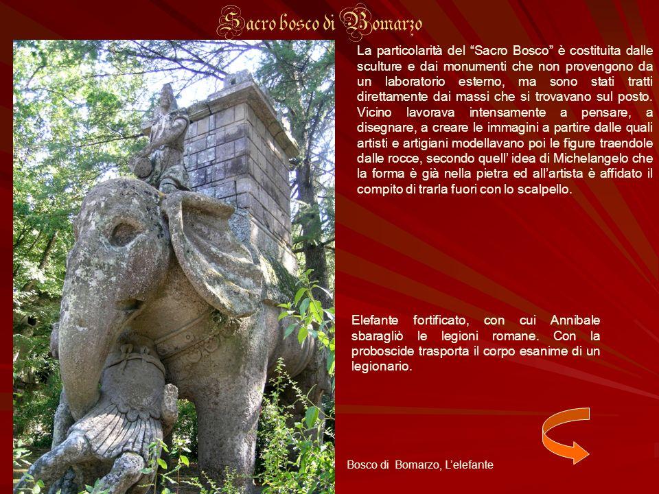 Elefante fortificato, con cui Annibale sbaragliò le legioni romane. Con la proboscide trasporta il corpo esanime di un legionario. La particolarità de