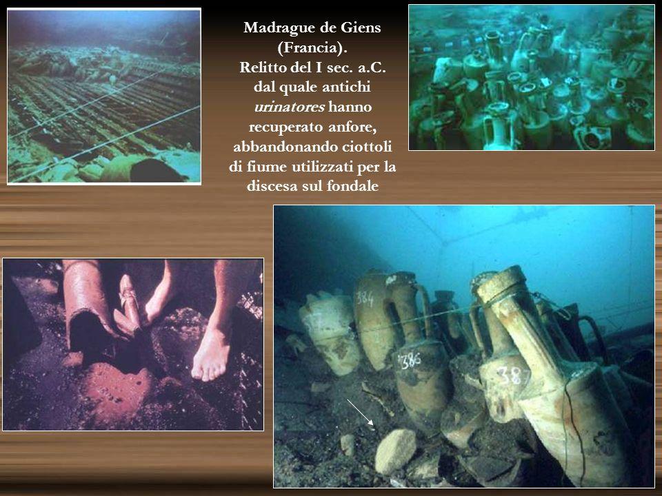 Madrague de Giens (Francia). Relitto del I sec. a.C. dal quale antichi urinatores hanno recuperato anfore, abbandonando ciottoli di fiume utilizzati p