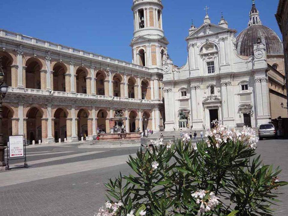Benedetto XVI ha introdotto la preghiera mariana dell Angelus dopo la Messa al Cantiere navale di Ancona nella XXIV a domenica del Tempo Ordinario 11