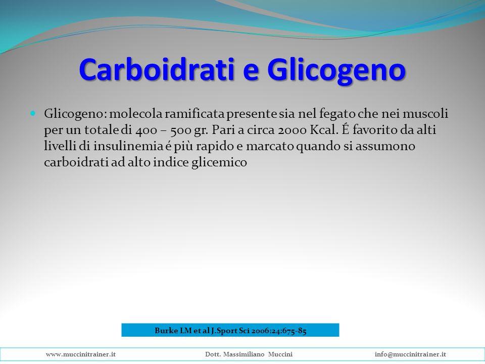 Carboidrati e Glicogeno Glicogeno: molecola ramificata presente sia nel fegato che nei muscoli per un totale di 400 – 500 gr. Pari a circa 2000 Kcal.