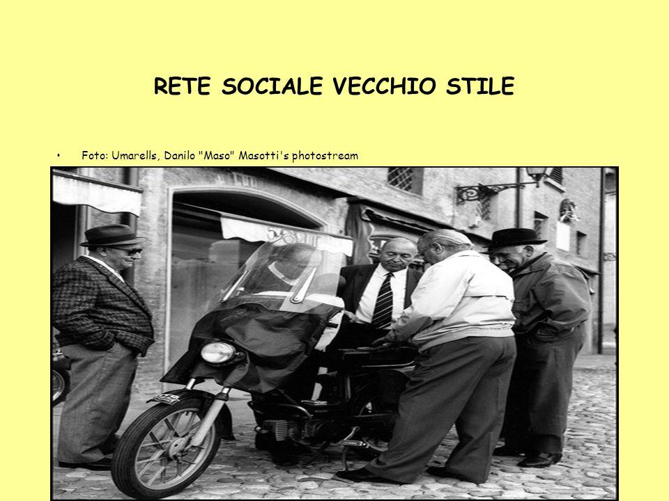 5 RETE SOCIALE VECCHIO STILE Foto: Umarells, Danilo Maso Masotti s photostream