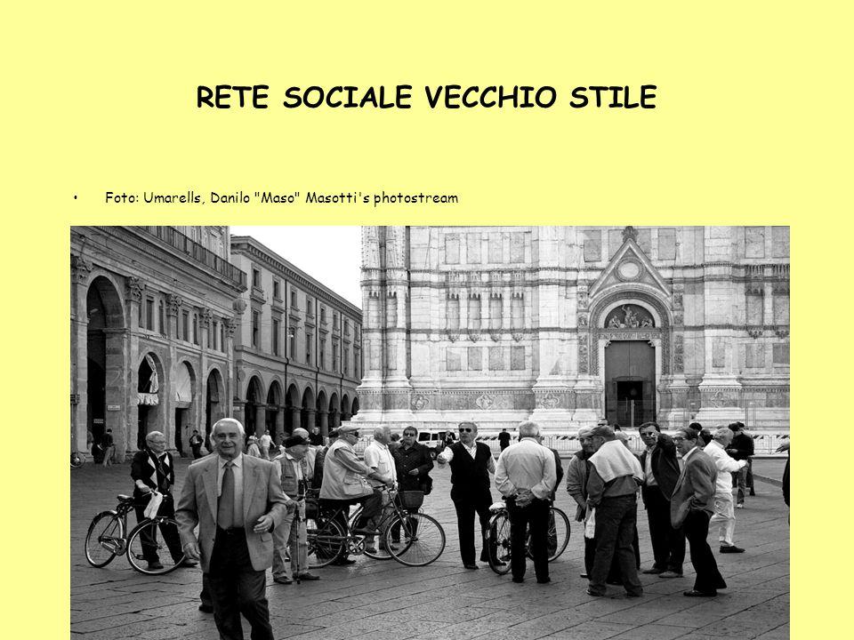 6 RETE SOCIALE VECCHIO STILE Foto: Umarells, Danilo Maso Masotti s photostream