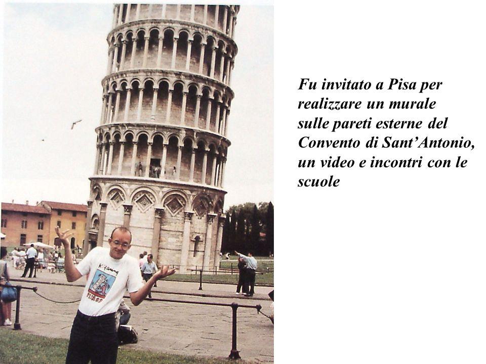 A Pisa in una scuola Le sue figure si diffondono liberamente nello spazio.