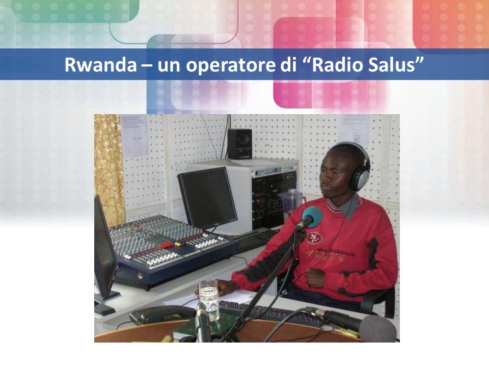 Rwanda – un operatore di Radio Salus