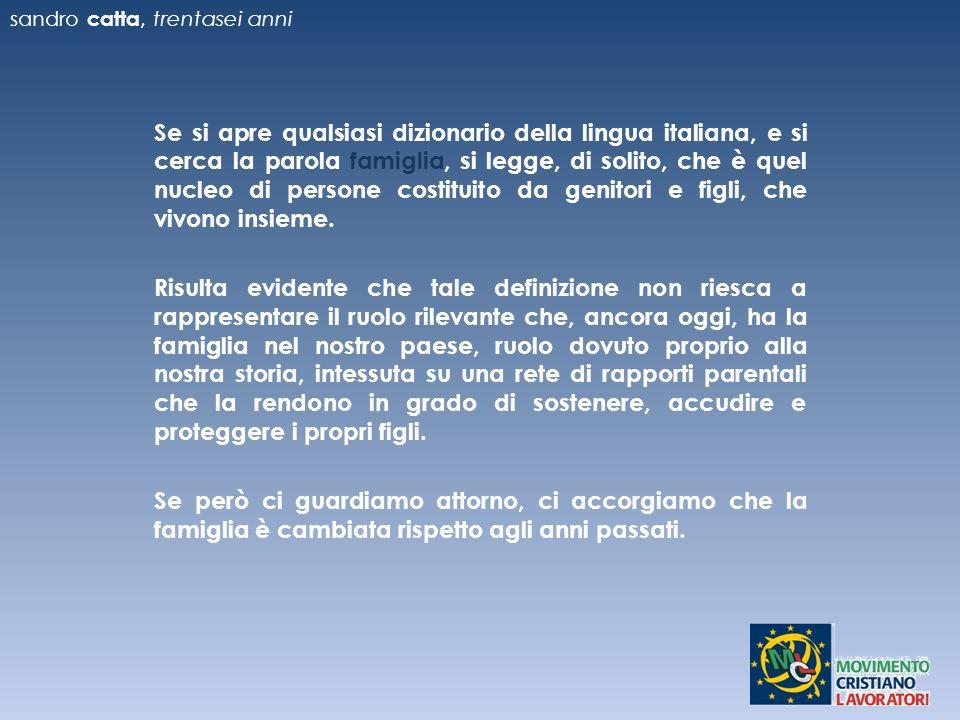 Se si apre qualsiasi dizionario della lingua italiana, e si cerca la parola famiglia, si legge, di solito, che è quel nucleo di persone costituito da genitori e figli, che vivono insieme.