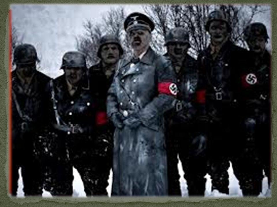 Nel 1934, dopo la morte del presidente della Germania Paul von Hindenburg si attribuì per legge il titolo di Führer e Cancelliere del Reich. Responsab