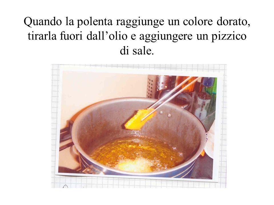 IL CASTAGNACCIO Ingredienti: Farina di castagne; Acqua; Noci, pinoli e uva passa; Olio; Sale.