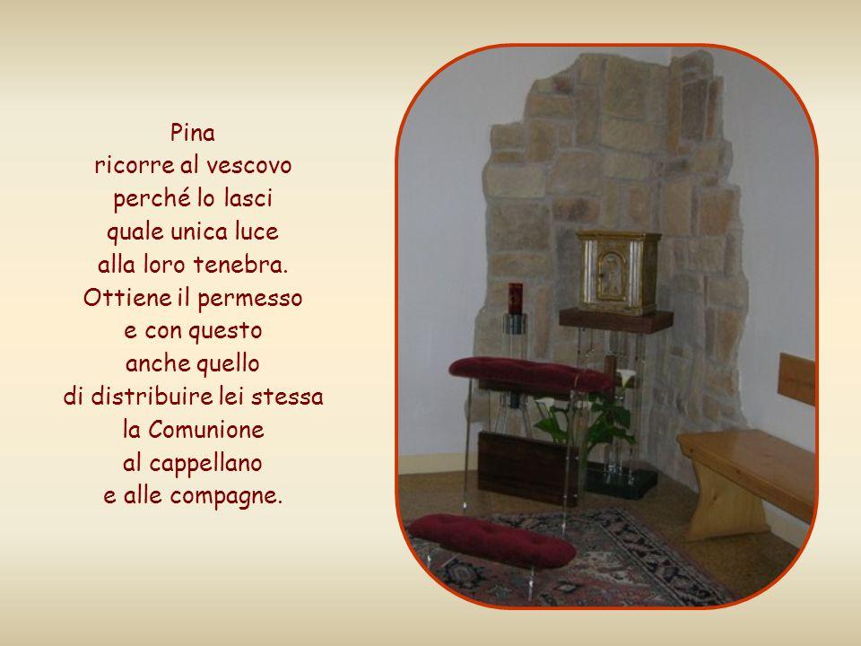 Pina della Sardegna, cieca dalla nascita, vive in un istituto con altre non vedenti dove il cappellano, paralizzato alle gambe, non può più celebrare la Messa.
