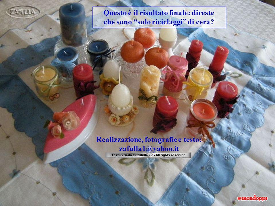 Le decorazioni dei vasetti sono fatte con rafia blu e azzurra con attaccati un bottoncino e a destra un campanellino blu.