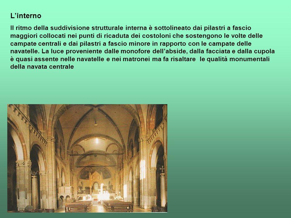 Linterno Il ritmo della suddivisione strutturale interna è sottolineato dai pilastri a fascio maggiori collocati nei punti di ricaduta dei costoloni c