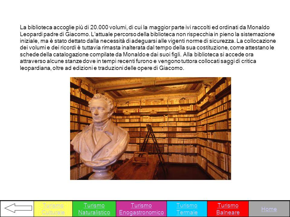 La biblioteca accoglie più di 20.000 volumi, di cui la maggior parte ivi raccolti ed ordinati da Monaldo Leopardi padre di Giacomo. Lattuale percorso
