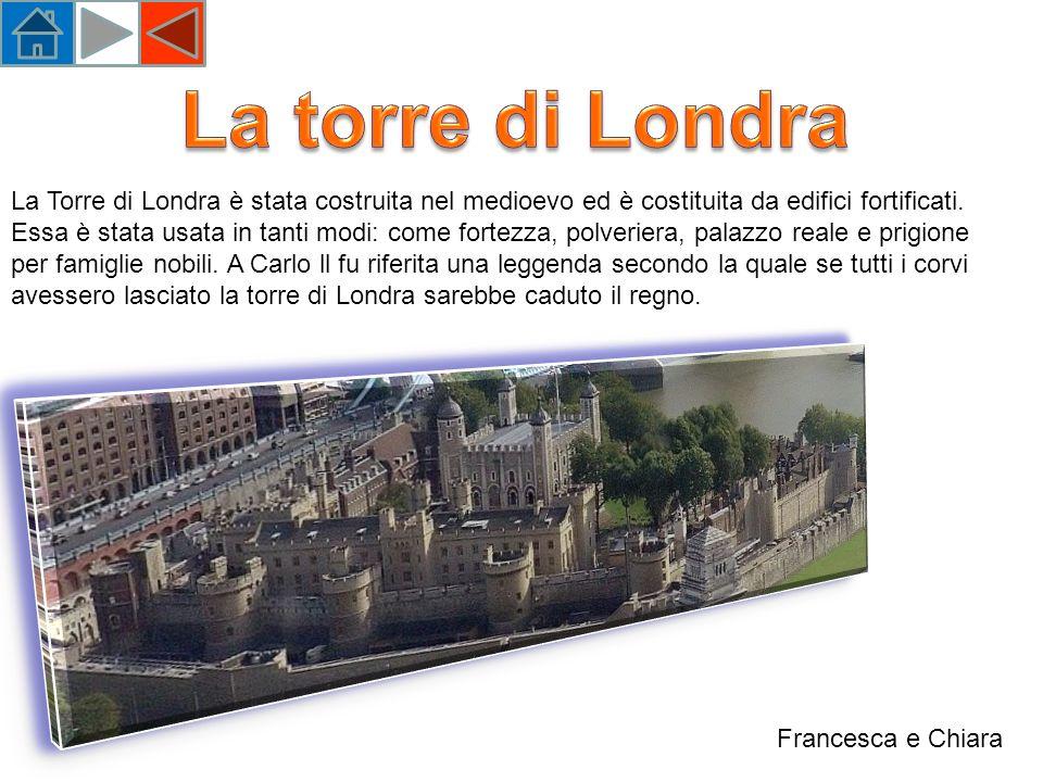 La Torre di Londra è stata costruita nel medioevo ed è costituita da edifici fortificati.