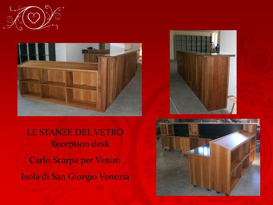 LE STANZE DEL VETRO Reception desk Carlo Scarpa per Venini Isola di San Giorgio Venezia