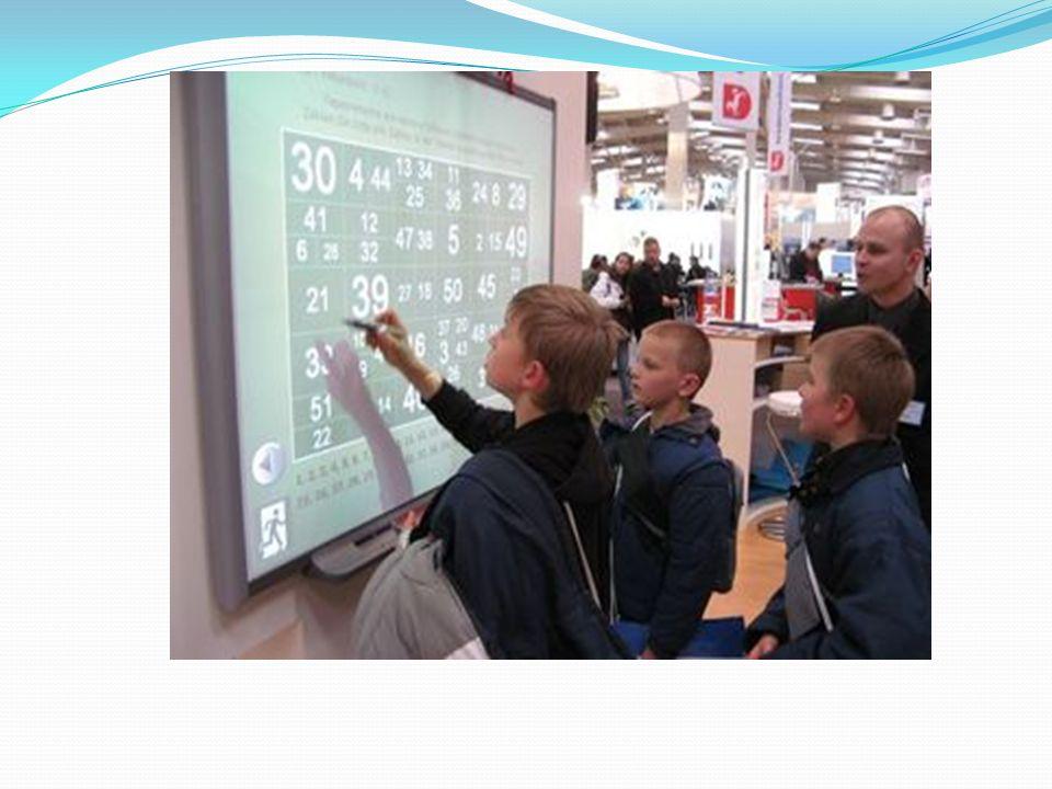 Come nei più comuni software per lelaborazione di presentazioni, infine, anche molti software per le lavagne consentono la scelta di una pagina con immagine già presente, che viene visualizzata nella finestra di dialogo delle impostazioni, solitamente mostrata a sinistra.