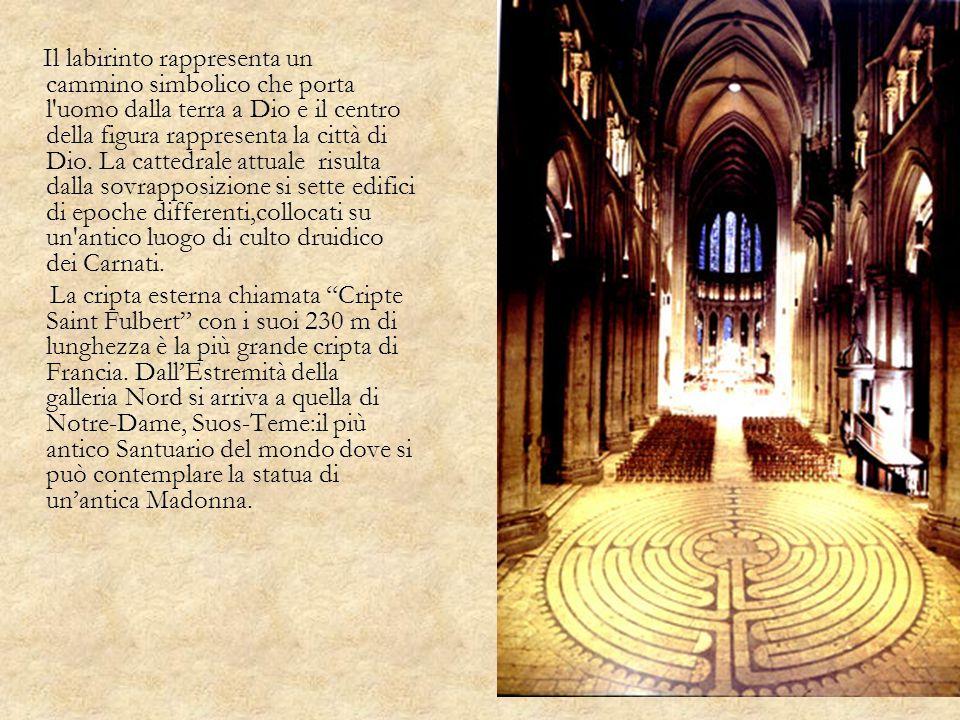 Il labirinto rappresenta un cammino simbolico che porta l'uomo dalla terra a Dio e il centro della figura rappresenta la città di Dio. La cattedrale a