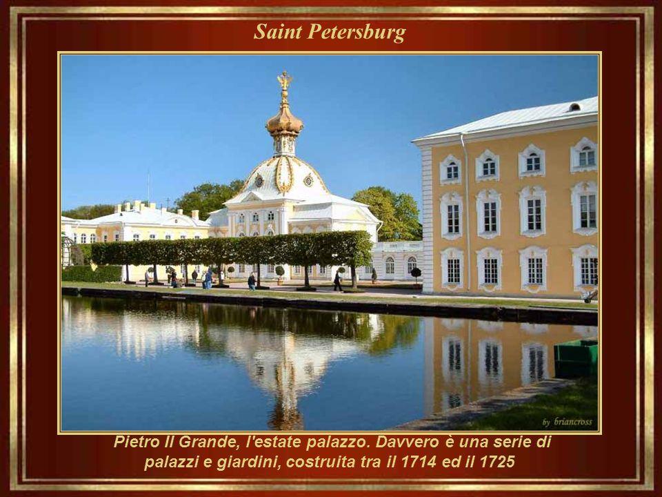 Saint Petersburg Cattedrale della nostra signora di Kazan (1810 - 1811), la cattedrale principale della Metropoli di St. Petersburg