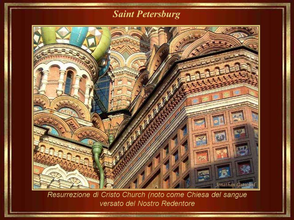 Saint Petersburg Chiesa di resurrezione di Cristo (noto come la Chiesa del sangue versato del Nostro Redentore) fu costruita tra il 1883 ed il 1907