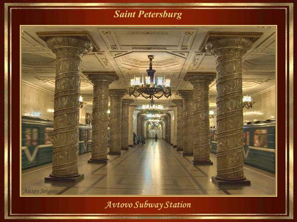 Saint Petersburg... Ma poi i colori di Primavera arrivano sempre. in St sempre. Petersburg