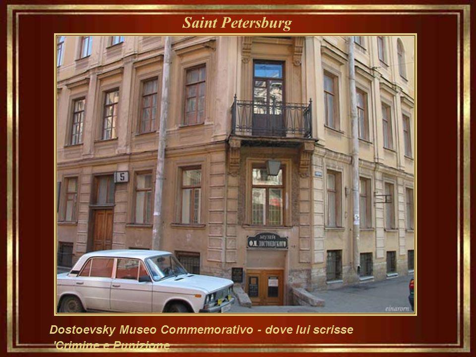 Saint Petersburg Dostoevsky di Fyodor, scrittore cui lavora incluso