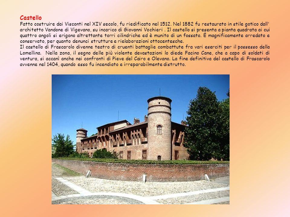 Castello Fatto costruire dai Visconti nel XIV secolo, fu riedificato nel 1512. Nel 1882 fu restaurato in stile gotico dall' architetto Vandone di Vige