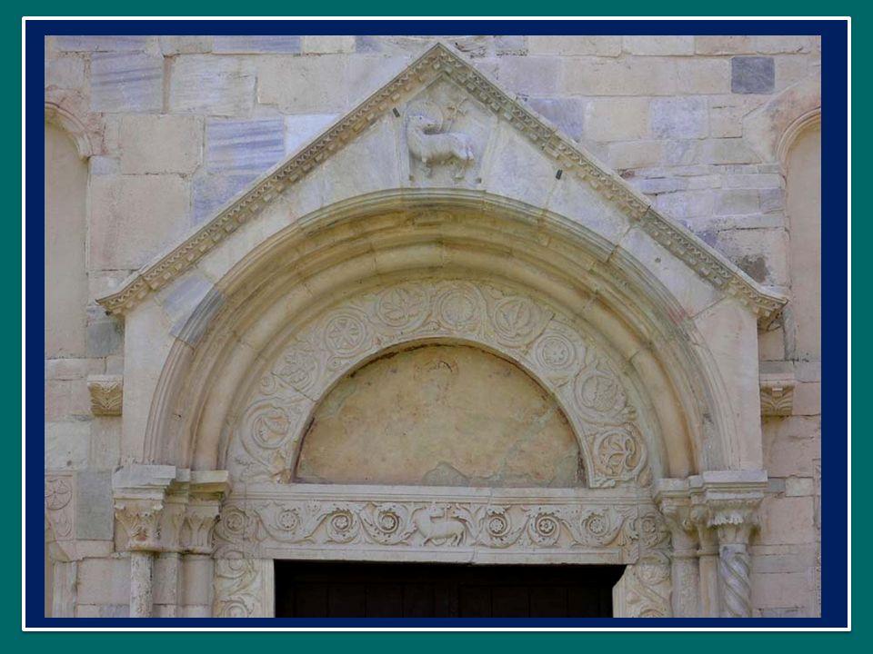 LApostolo Paolo dice ai cristiani di Efeso: voi siete «edificati sopra il fondamento degli apostoli e dei profeti, avendo come pietra dangolo lo stesso Cristo Gesù.