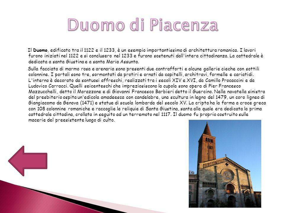 Il Duomo, edificato tra il 1122 e il 1233, è un esempio importantissimo di architettura romanica. I lavori furono iniziati nel 1122 e si conclusero ne