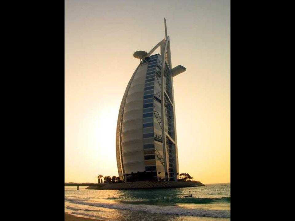 Hotel Bu Burj al-Arab a Dubai Il più alto hotel del mondo.