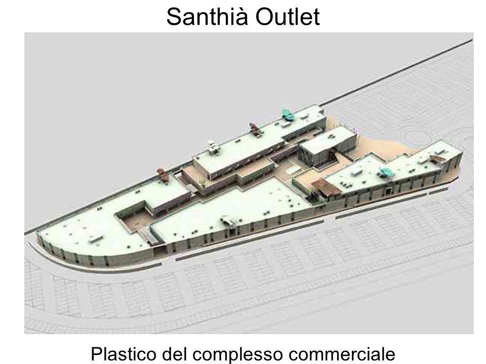 Santhià Outlet Plastico del complesso commerciale