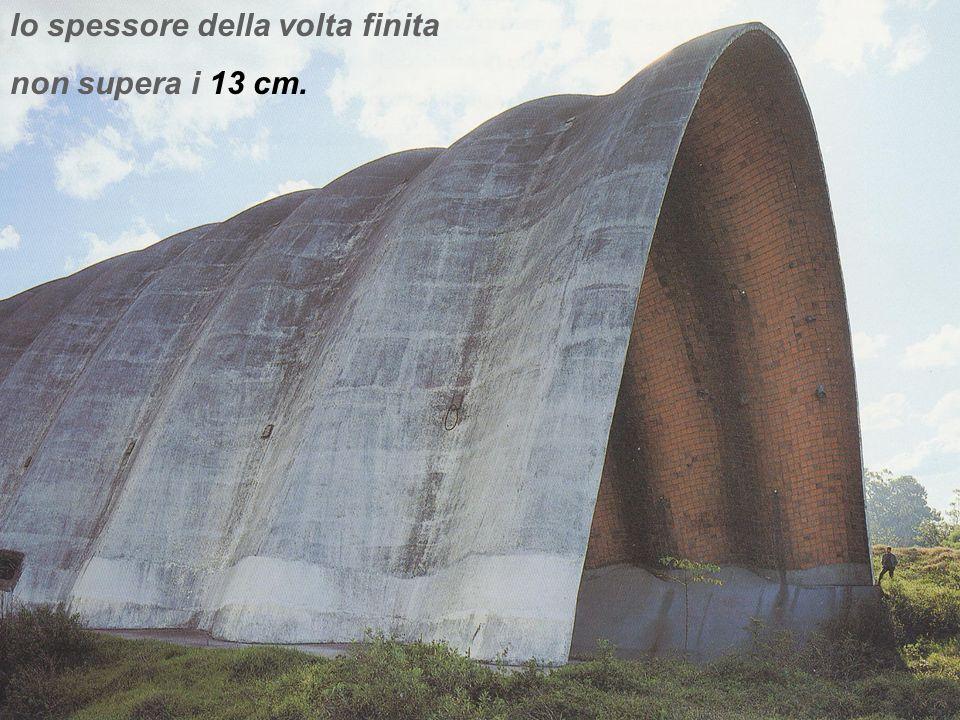 una delle volte più grandi costruite da Dieste 50 m di luce libera