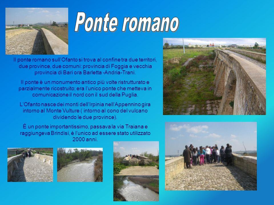 Proseguiamo il nostro percorso, andiamo a Canosa dove un arco di mattoncini di terracotta ci fa pensare allingresso della città romana e che dovevano