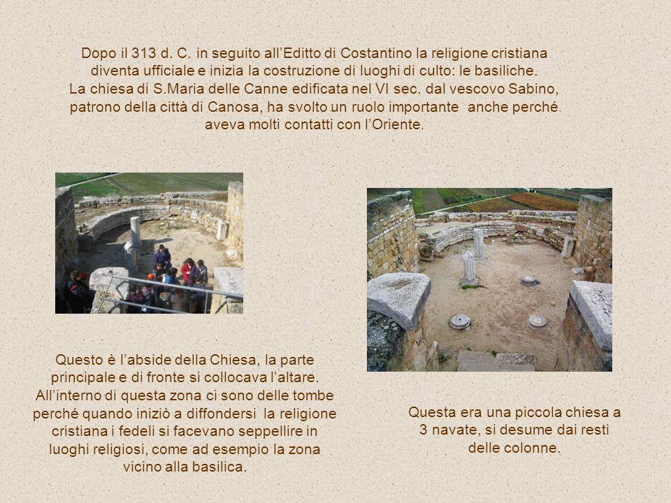 Il complesso religioso-episcopale è situato alla fine del decumano, a nord-ovest, a ridosso delle mura. Si compone di tre edifici di culto sovrapposti