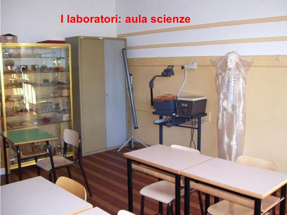 I laboratori: aula scienze