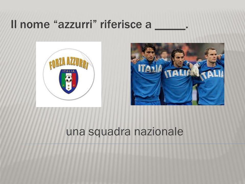Il calcio è ________ popolare italiano. uno sport