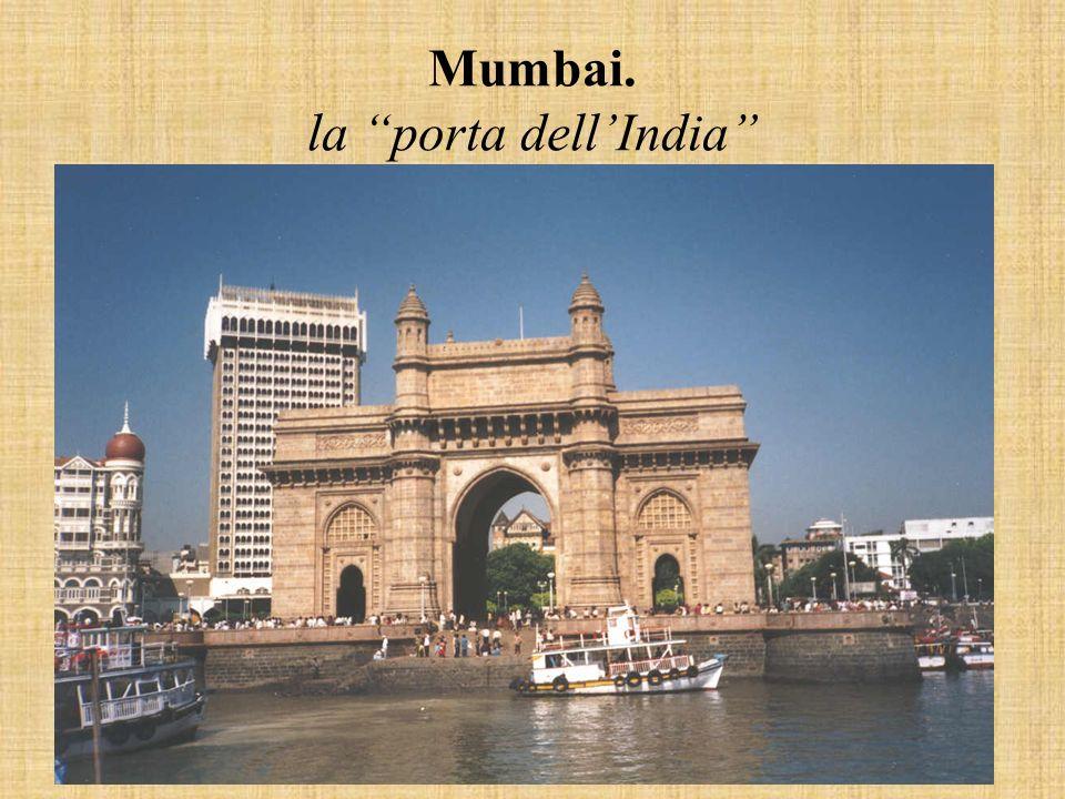 Mumbai. la porta dellIndia
