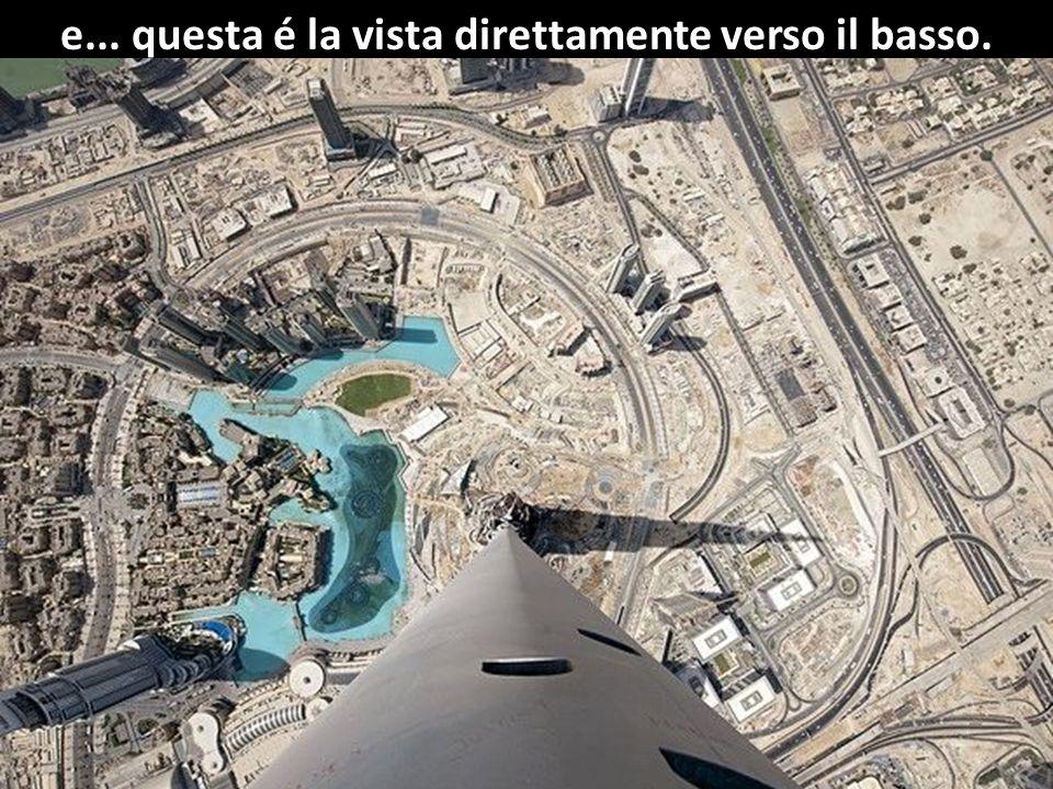 Dubai vista dal grattacielo Burj Halifa. Altezza 828 metri - 163 piani