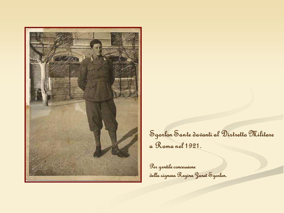 Sgorlon Sante davanti al Distretto Militare a Roma nel 1921. Per gentile concessione della signora Regina Zanet Sgorlon.