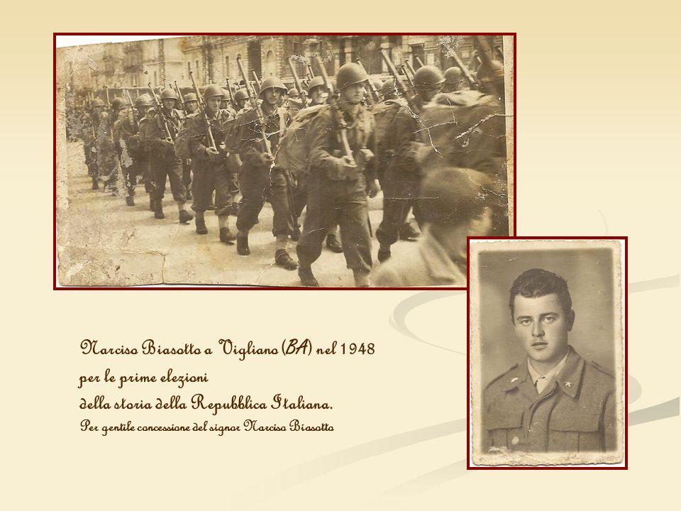 Narciso Biasotto a Vigliano ( BA ) nel 1948 per le prime elezioni della storia della Repubblica Italiana. Per gentile concessione del signor Narciso B