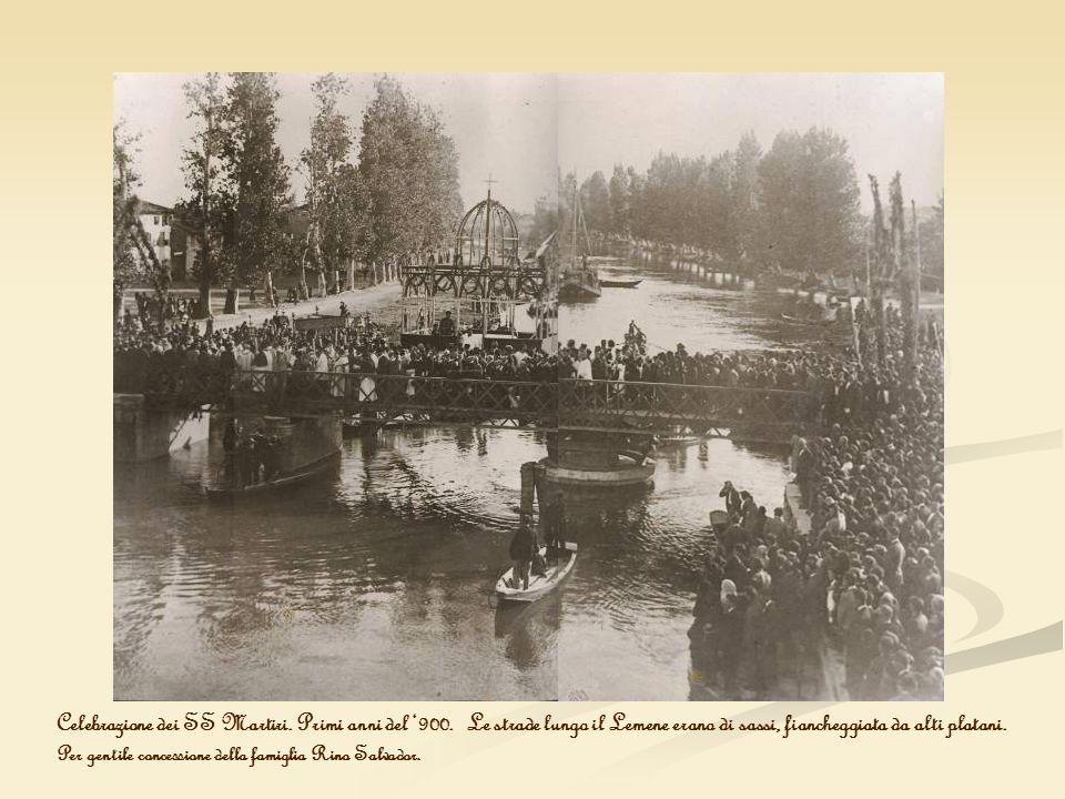 Celebrazione dei SS Martiri. Primi anni del 900. Le strade lungo il Lemene erano di sassi, fiancheggiata da alti platani. Per gentile concessione dell
