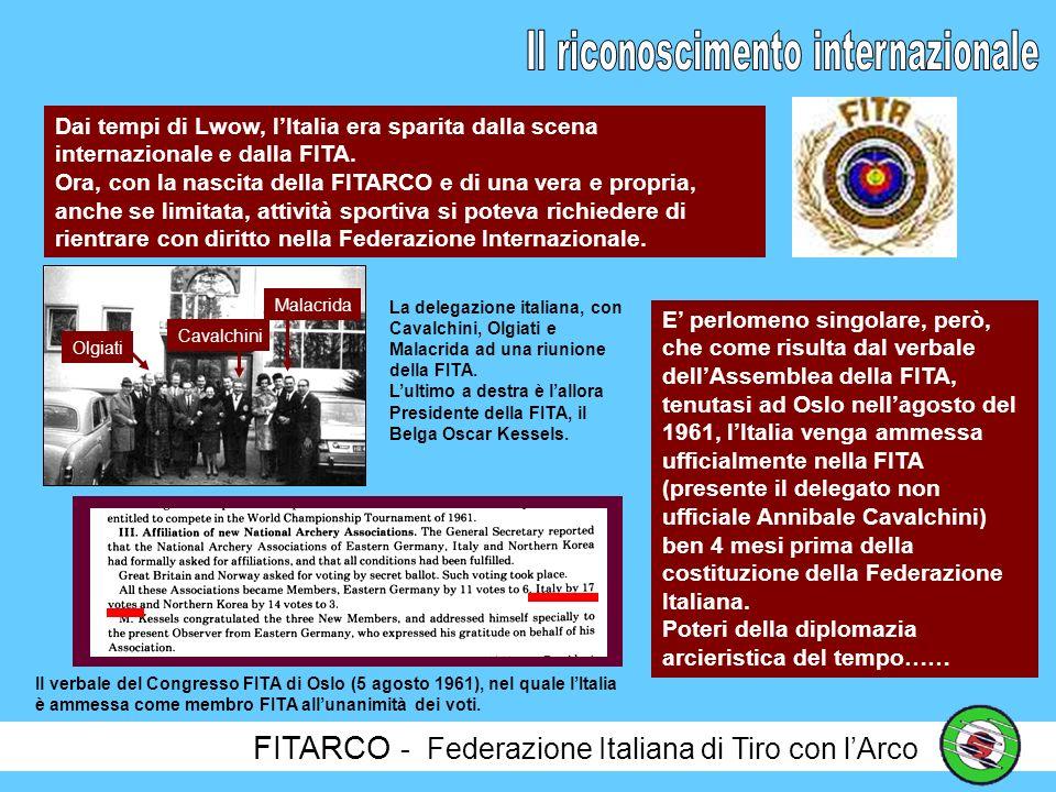 FITARCO - Federazione Italiana di Tiro con lArco Se con lArco si tira in campi improvvisati, di Arco si parla e si crea soprattutto in un locale di Milano, la Bottiglieria da Ronchi, dove vengono poste le basi della FITARCO e dove, spesso, si uniscono ai soci dellABA anche gli amici delle altre città.