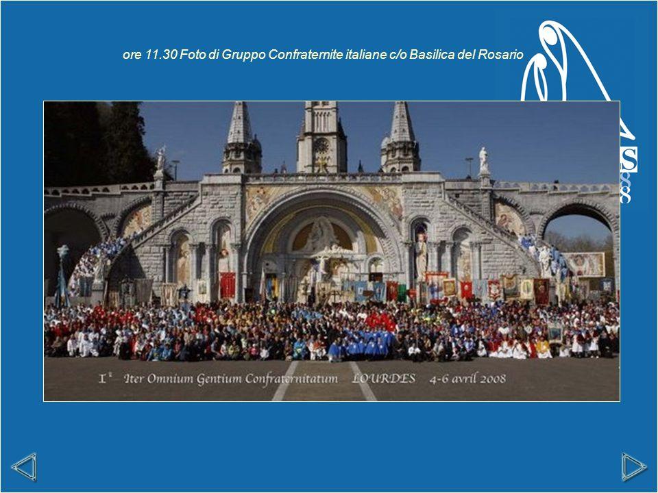ore 11.30 Foto di Gruppo Confraternite italiane c/o Basilica del Rosario